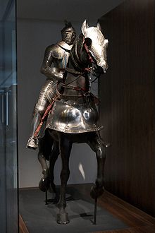 L armure est destinée à protéger l homme et ou l animal qui le porte, mais  aussi à s identifier ou impressionner l adversaire 63f231ae44f