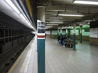 Astor Place (IRT Lexington Avenue Line) - Downtown platform