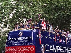 Elenco do Atlético de Madrid celebrando a conquista da La Liga de 2013–14 44135b49248a8