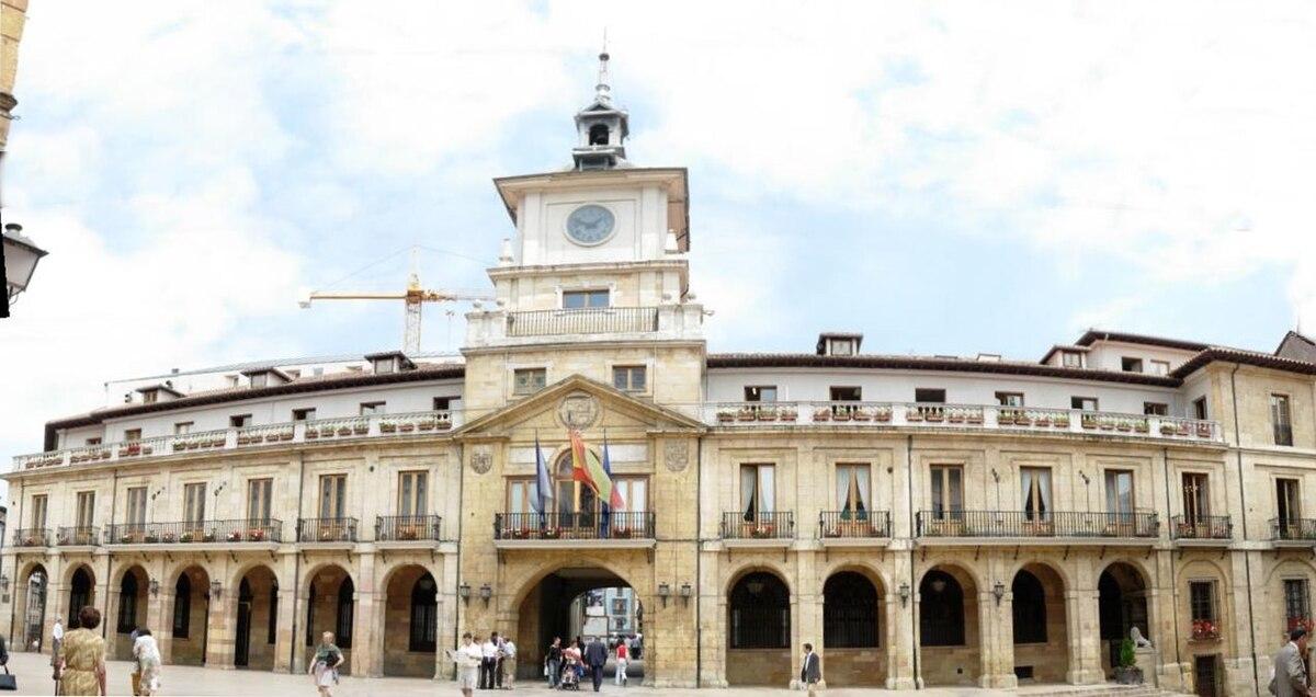Oviedo wikipedie for Ayuntamiento de villel de mesa