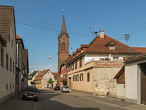 Bötzingen - Image: Bötzingen, die evangelische Kirche in straatzicht foto 1 2013 07 24 17.29