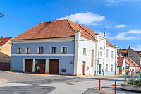 Bývalá synagoga v Chlumci nad Cidlinou 02.jpg