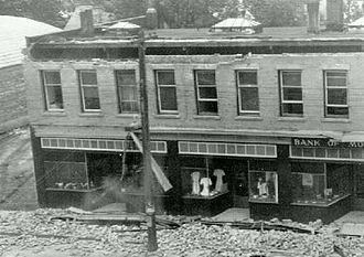 1946 Vancouver Island earthquake - Damage to Bank of Montreal in Port Alberni.