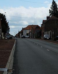Baralle - Grande rue.JPG