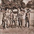 Beggars, Beihai Park (c1917-1919) Sydney D. Gamble (RESTORED) (4072932711).jpg