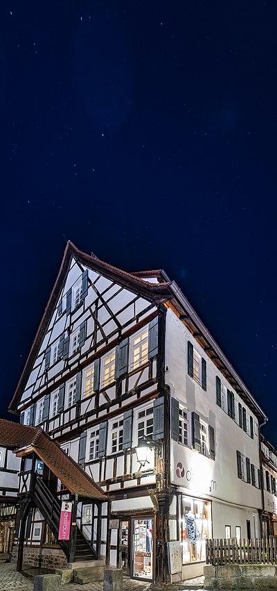 Beim Nonnenhaus 1 in Tübingen mit Sternenhimmel 2019.jpg