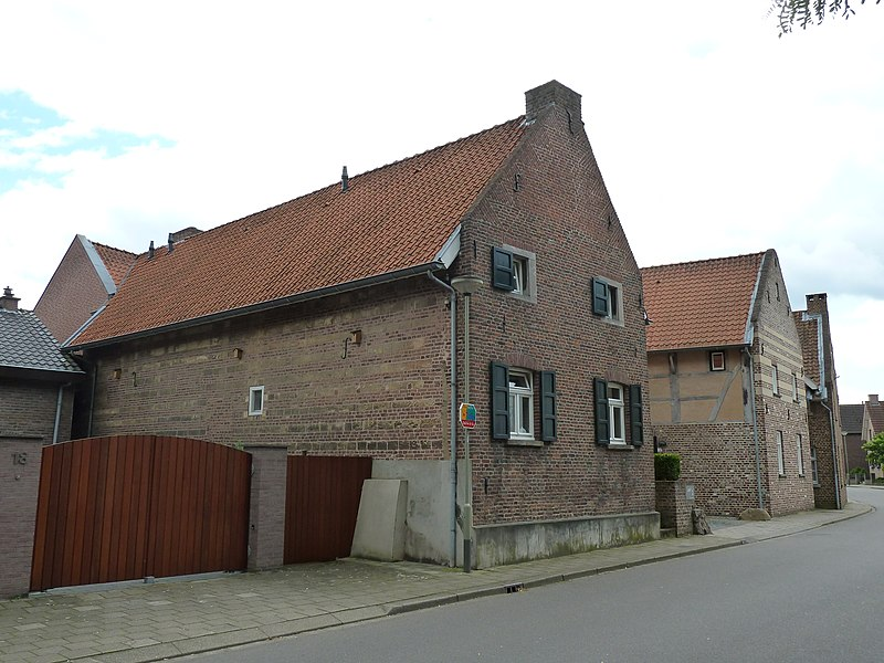 Kerkstraat 16, Berg aan de Maas, gemeente Stein, Limburg, Nederland
