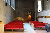 Fil:Bergshamra kyrka int07.jpg