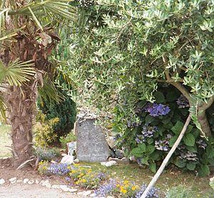 Bernard Moitessier - Moitessier's grave photographed in 2004