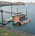 Bootshaus im Industriehafen - panoramio.jpg