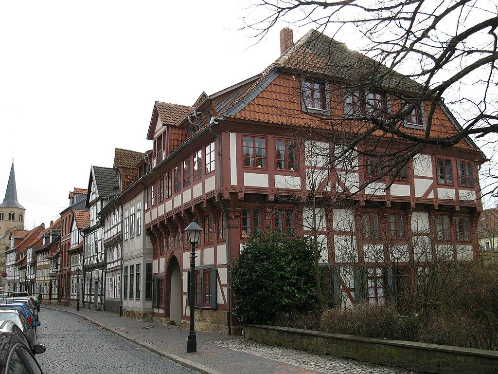 Single manner hildesheim Hildesheim singles, Bumble and Branch
