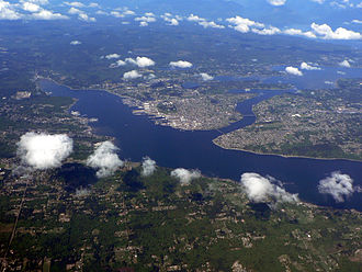Sinclair Inlet - Sinclair Inlet (left), Dyes Inlet (upper right) and Manette and Warren Avenue Bridges across Port Washington Narrows (right center)