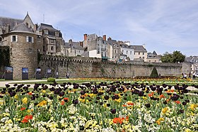 Bretagne les remparts de Vannes.jpg