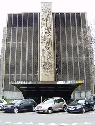 Jozef Cantré - Relief in the facade of the Brussels-Congress railway station