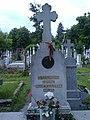 Bucuresti, Romania. Cimitirul Bellu Catolic. Mormantul Episcopului Martir IULIU HOSSU, Beatificat in 2 Iunie 2019 de catre PAPA FRANCISC (detaliu).jpg
