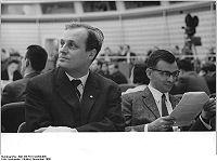 Bundesarchiv Bild 183-F0114-0204-005, Berlin, 1. DSV-Jahreskonferenz, M. Engelhardt, H. Nachbar.jpg