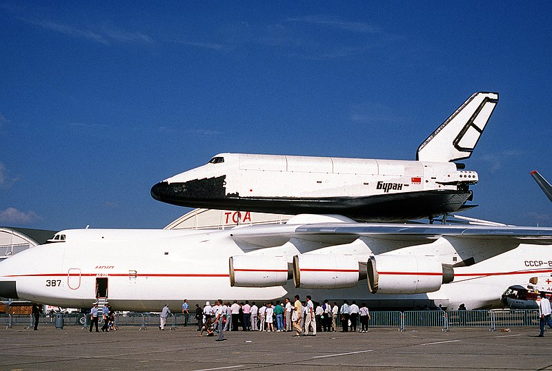 File:Buran on An-225 (Le Bourget 1989) 1.JPEG