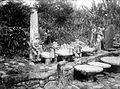 COLLECTIE TROPENMUSEUM Verschillende steensculpturen o.a. stenen zetels Nias TMnr 10001063.jpg