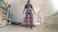 File:Camille Rodrigues dançando samba com a sua prótese para salto alto até 10cm l Conforpés.webm