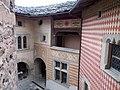 Castello di Introd particolare mura interne 06.jpg