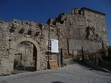 Palazzo dei Carafa in restauro (agosto 2010)