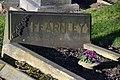 Cemetery Farnley (25488232908).jpg