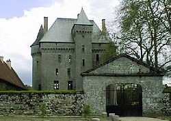 Château de Saint-Maixant (Creuse).jpg