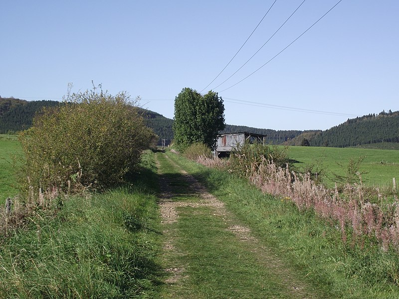 Vicinal railway route between Champlon and the Amberloup. Is now a walking route.