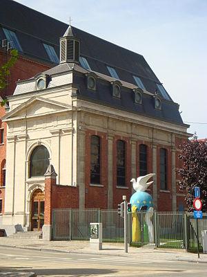 Chapel of the Resurrection, Brussels - Chapelle de la Résurrection and Statue of Europe, Brussels