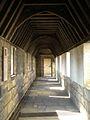 Chateau de Vincennes - Chemise du donjon - chemin de ronde 02.JPG