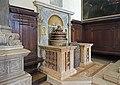 Chiesa di San Zaccaria Venezia fonte battesimale.jpg