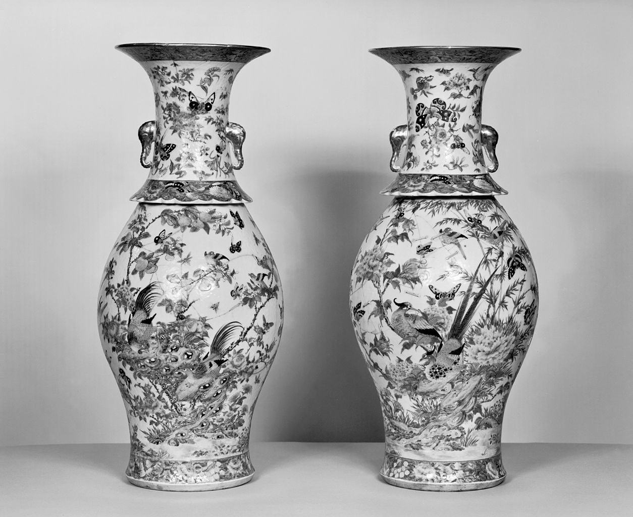 File Chinese Pair Of Vases With Flowers Insects And Birds Walters 492411 492412 Jpg