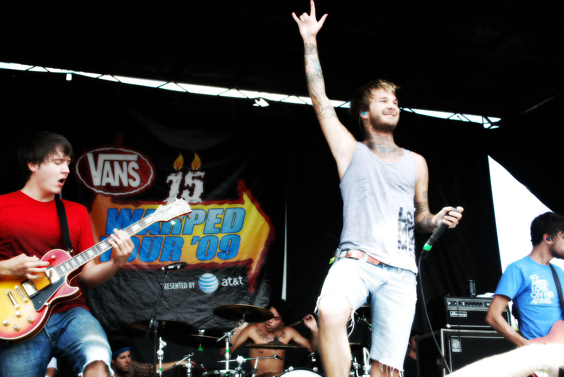 Chiodos performing at Warped Tour in 2009