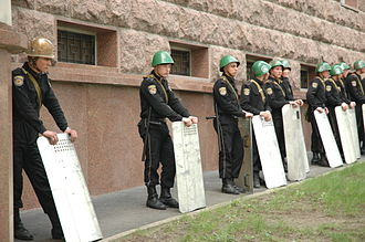 April 2009 Moldovan parliamentary election - Riot police in Chişinău
