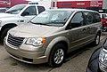 Chrysler Town & Country LX 2.8 CRD 2008 (38463304140).jpg