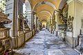 Cimitero di Staglieno Colonnato Inferiore Sinistro.jpg