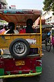 Circulation dans les rues de Varanasi (9).jpg