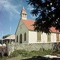 Collectie Nationaal Museum van Wereldculturen TM-20017530 Protestantse kerk in Koolbaai Sint Maarten Boy Lawson (Fotograaf).jpg