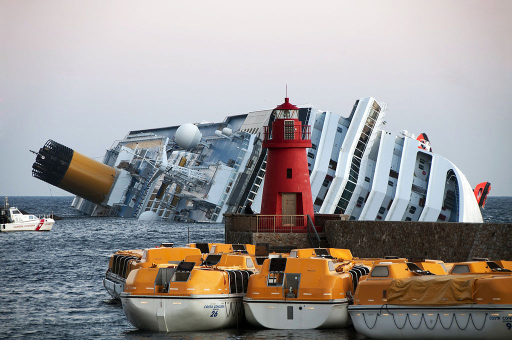 File collision of costa concordia wikimedia commons for Costa favolosa wikipedia