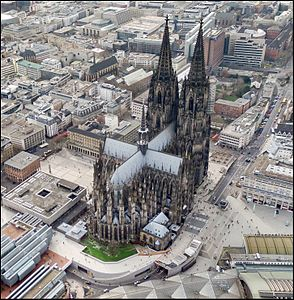 Cologne-Cathedral-aerial-east.jpg