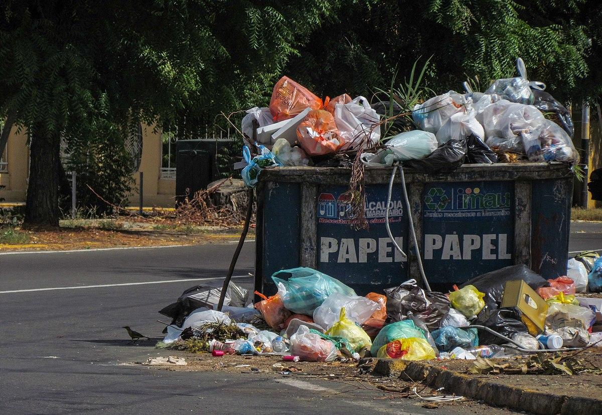 Basura wikipedia la enciclopedia libre - Cubos de basura industriales ...