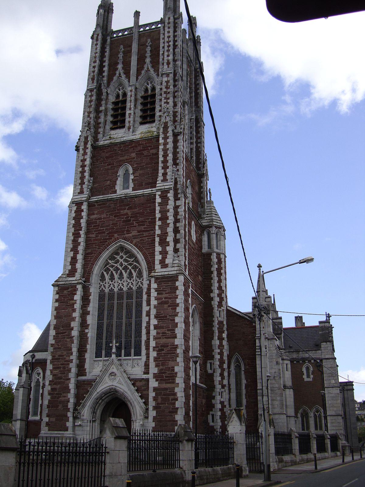 Église de l'Irlande datant du site