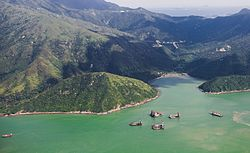 Costa de la Isla Lantau, Hong Kong, 2013-08-13, DD 01.jpg