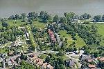Dömös község a Duna partján.jpg