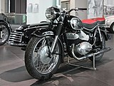 DKW RT 350 S, Bj. 1956 (links) im museum mobile.JPG