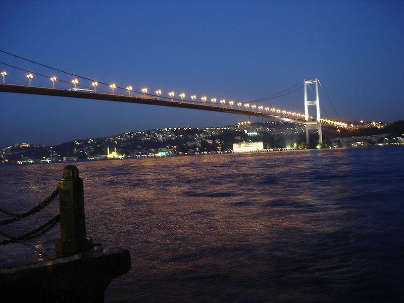 File:DSC04870 Istanbul - Ponte sul Bosforo - Foto G. Dall'Orto 30-5-2006.jpg