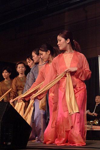 Festál - Dancers at Festál Vietnamese Tet Festival (2003)