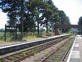 Danzey railway station in 2005.jpg