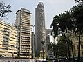 """Das """"Edifício Itália"""" Bildmitte, ist mit 164m das zweithöchste Gebäude von Sao Paulo. In der obersten Etage befindet sich ein Panoramarestaurant mit herrlicher Fernsicht. - panoramio.jpg"""