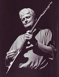 Dave Cliff British musician